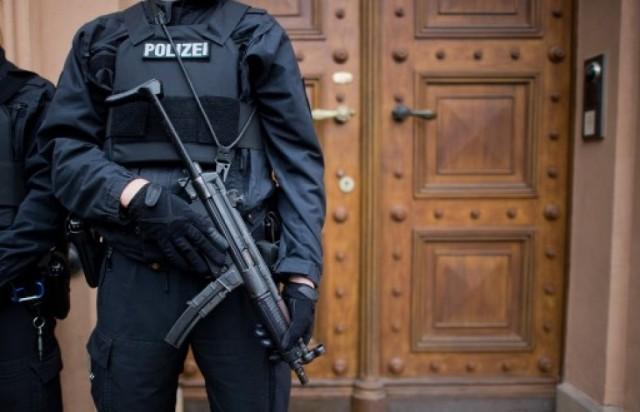 Berlin (Allemagne) : un islamiste présumé arrêté, son arsenal d'armes et de munitions saisi